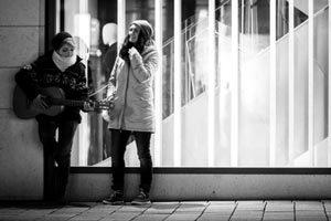 """""""Lieblingsfarbe Schokolade"""" alias Hannah Silberbach und Maura Porrmann Foto: Künstler"""