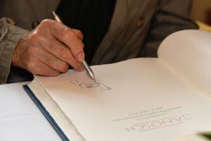 Eine Tigerente für das Gästebuch der Stdat Wiesbaden, gezeichnet von Janosch. Bild: Svetlana Schuster