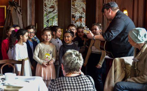 Kinderchor der Freierr vom Stein Grundschule. Bild: Volker Watschounek