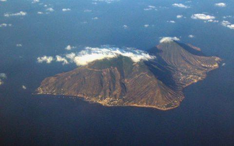 Insel Selina: Hier scuhte der berühmte chilenische Dichter Pablo Neruda um 1950 Zuflucht. Foto: Wikipedia