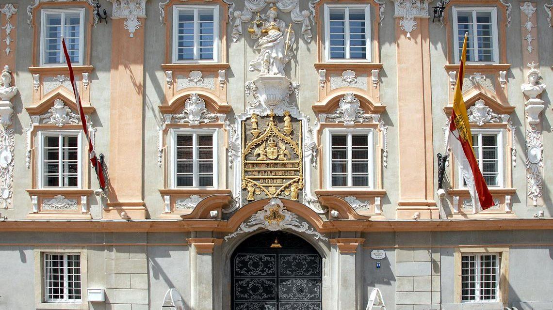 Rathaus am Hauptplatz Nr. 1 in der Stadt Sankt Veit an der Glan, Kärnten, Österreich. Foto: Wikipedia / Johann Jaritz
