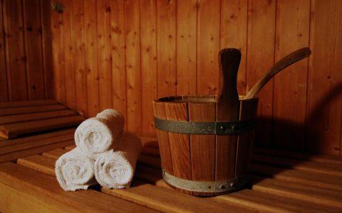 Entspannen, relaxen und schwitzen. Symbolbild: Roeseli48 / pixelio.de