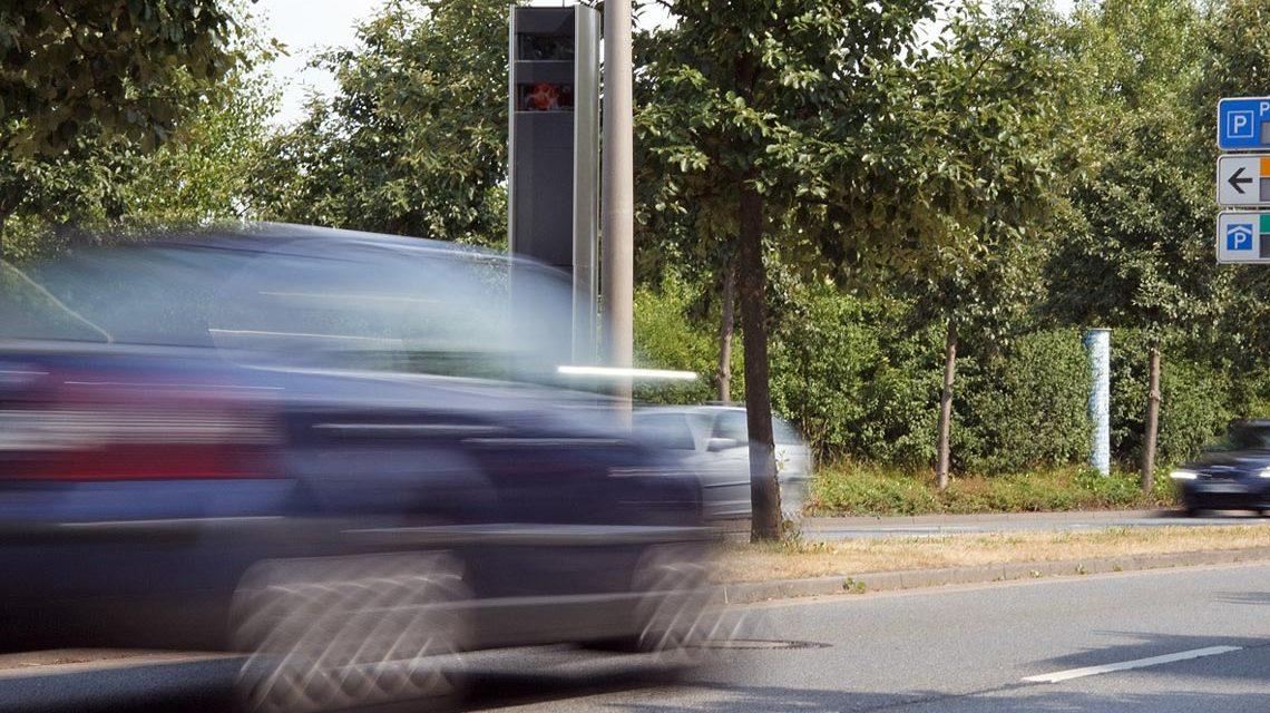 Blitzmarathon: Geschwindigkeitsmessung innerorts. Bild: Dirk Vorderstraße