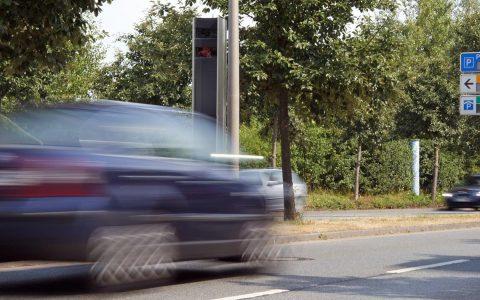 Geschwindigkeitsmessung innerorts. Bild: Dirk Vorderstraße