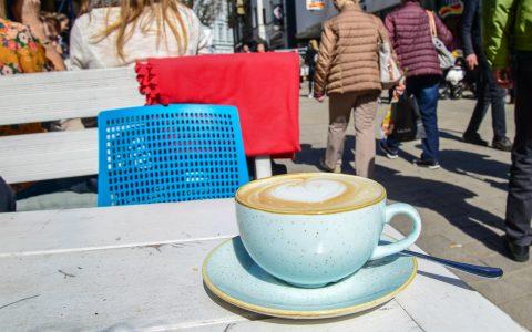 """Milchkaffee im """"Ich & Du"""""""
