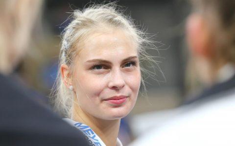 Selma Hetmann von Schwarz-Weiß Erfurt hat in Wiesbaden unterschrieben. Bild: Detlef Gottwald
