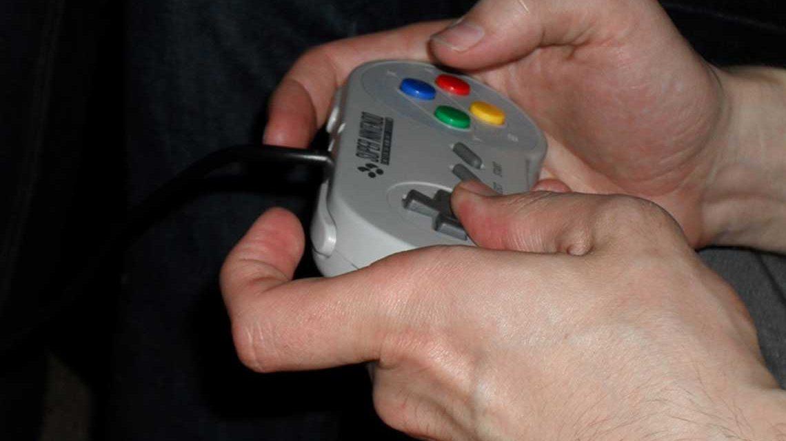 Video Games haben die Wohnzimmer erobert. Bild: Sarah Grazioli / pixelio.de