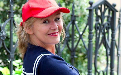 Münchener Urgestein, Kabarettistin Angelika Beier. Bild: Angelika Beier