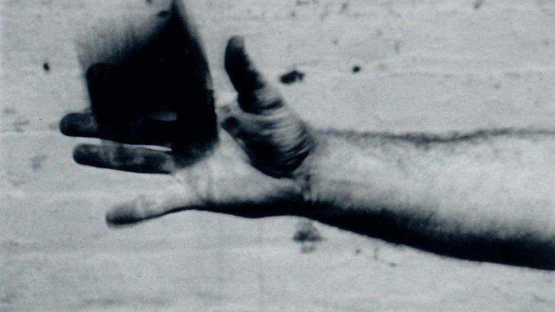 Richard Serra, Hand Catching Lead, 1968. (Filmstill) Bild: VG Bild-Kunst, Bonn 2017.