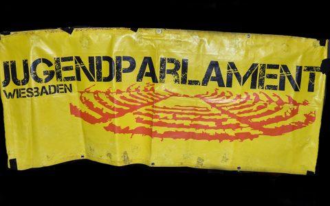 Das Jugendparlament bei der Pegida-Demo. Archivfoto: Volker Watschounek