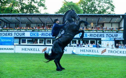 Impressionen von der Pferdenacht beim 78. Wiesbadener Pfingstturnier. Bild: Volker Watschounek
