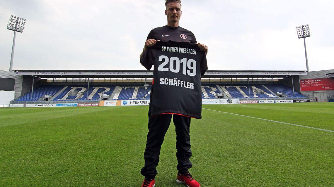 Manuel Schäffler geht bis 2019 für den SVWW auf Torejagd. Bild: Severing / SVWW
