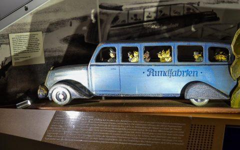 Anfangs waren die Blauen Kurautobusse nur in und um Wiesbaden unterwegs, später dann deutschlandweit. Bild: Volker Watschounek