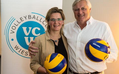 VCW Geschäftsführerin Nicole Fettig mit dem Vorstandsvorsitzendem der IFM Immobilien AG Volker de Boer. Bild: Volker Watschounek