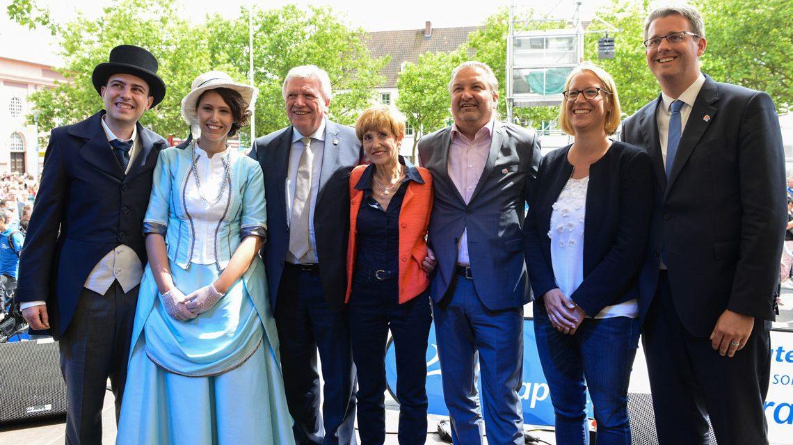 Ministerpräsident Volker Bouffier eröffnet den Hessentag in Rüsselsheim. Bild: Sabrina Feige