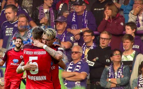 Ein Abend zum Vergessen: Wiesbaden spielt sich an die Tabellenspitze und Osnabrück möcht das Spiel vergessen. Bild: Volker Watschounek