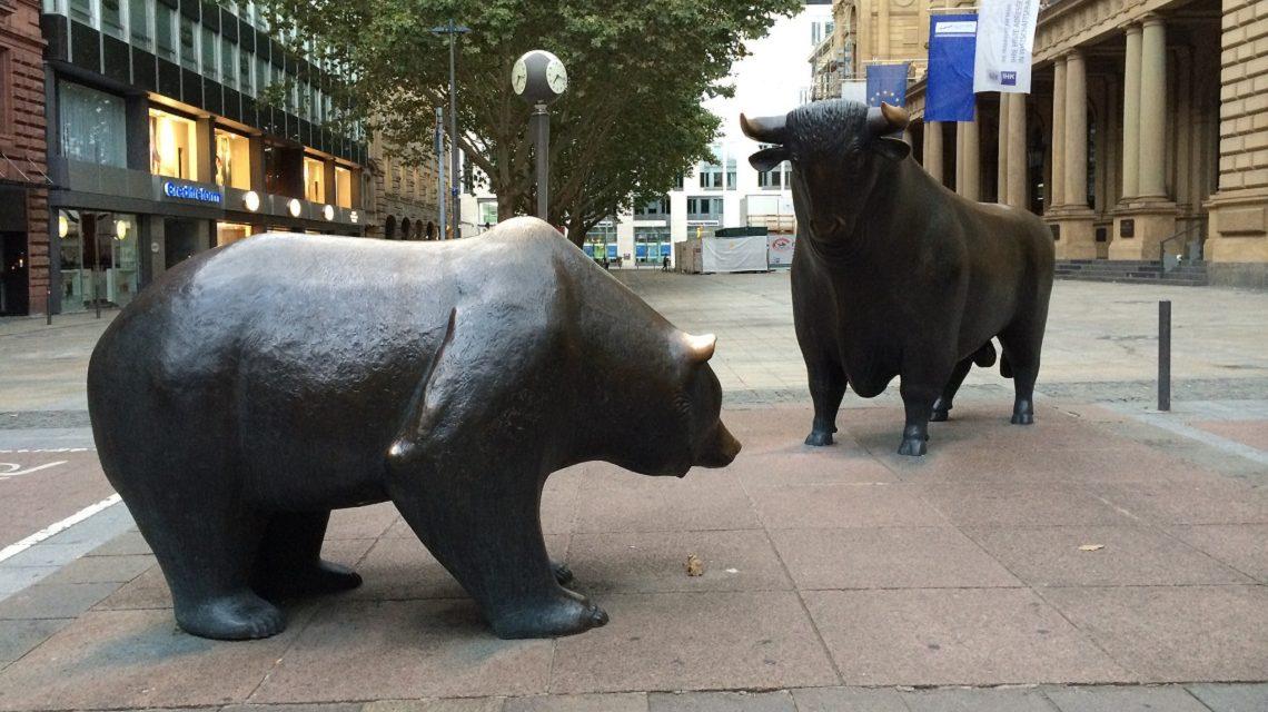 Bulle und Bär - Börse Frankfurt - Bild: flickr.com/photos/giesing (CC BY 2.0)