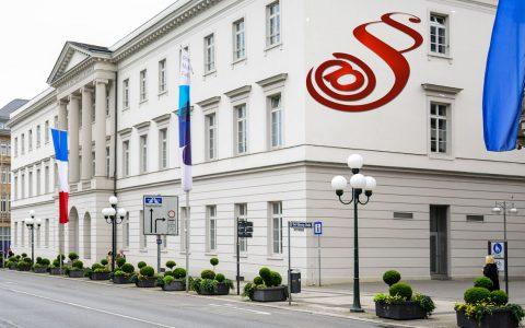 IHK Wiesbaden Bild: Volker Watschounek
