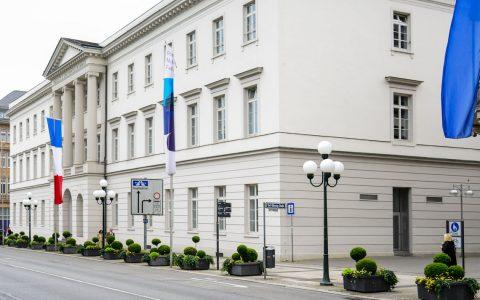 IHK Wiesabden an der Wilhelmstraße in Wiesbaden gelegen. Bild: Volker Watschounek