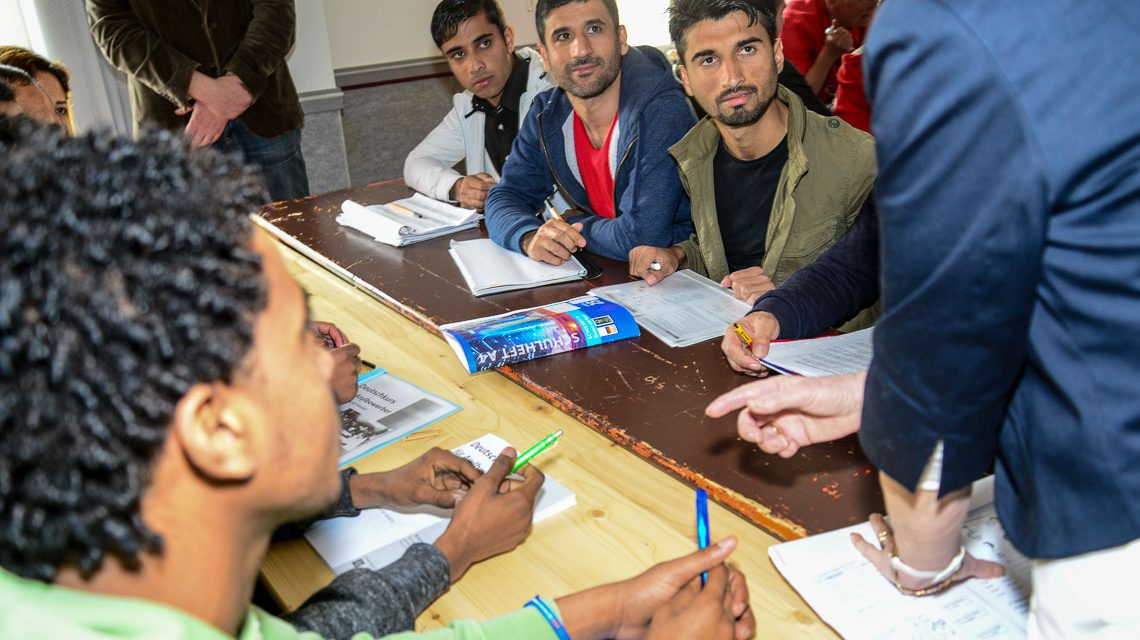 Integrationskurs für Flüchtlinge im American Arms Hotel. Archivbild: Volker Watschounek