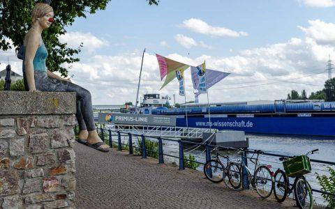 Das Ausstellungsschiff MS Wissenschaft macht auf seiner großen Tour durch 38 Städte in Deutschland und Österreich vom 08.-11. August 2014 in Wiesbaden-Biebrich Halt. Bild: Ralf Brinkmann