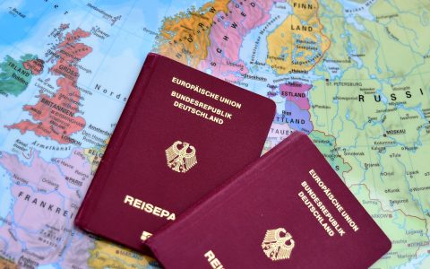 In Europa sind Pässe nahezu überflüssig, nicht aber, wenn man nach Russland oder England reisen möchte. Bild: Volker Watschounek