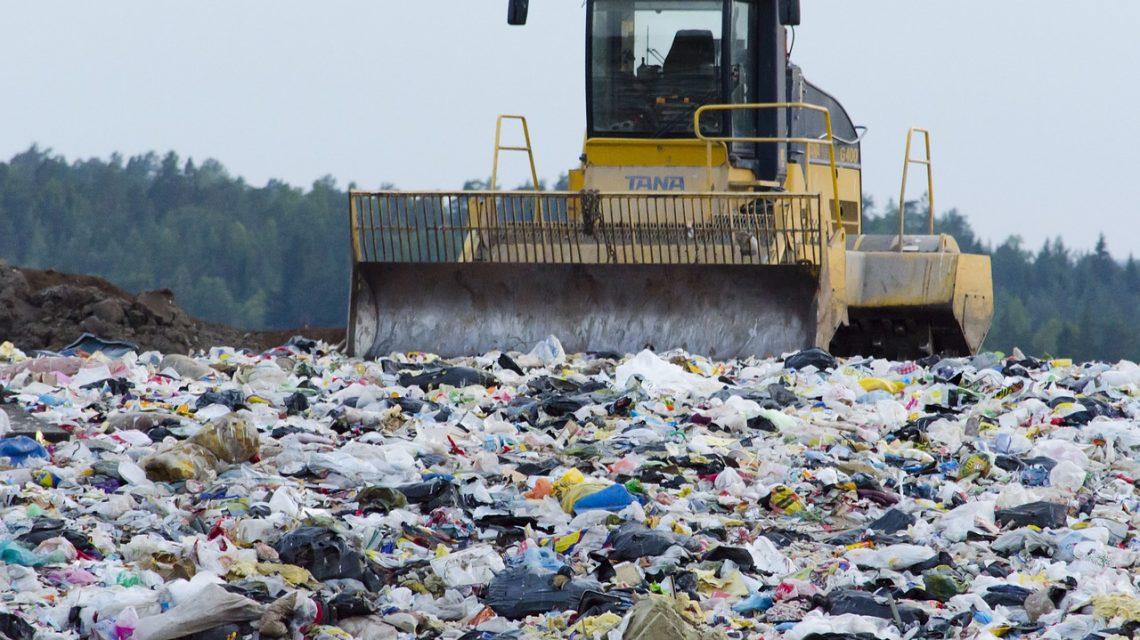 Mülldeponie - Bild: https://pixabay.com/de/m%C3%BClldeponie-abfallwirtschaft-abf%C3%A4lle-879437/