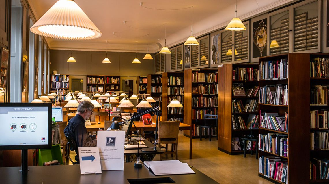Bücher suchen, Bücher lesen, Bücher ausleihen. Symbolfoto: Flickr / Mompl / CC BY-NC-ND 2.0