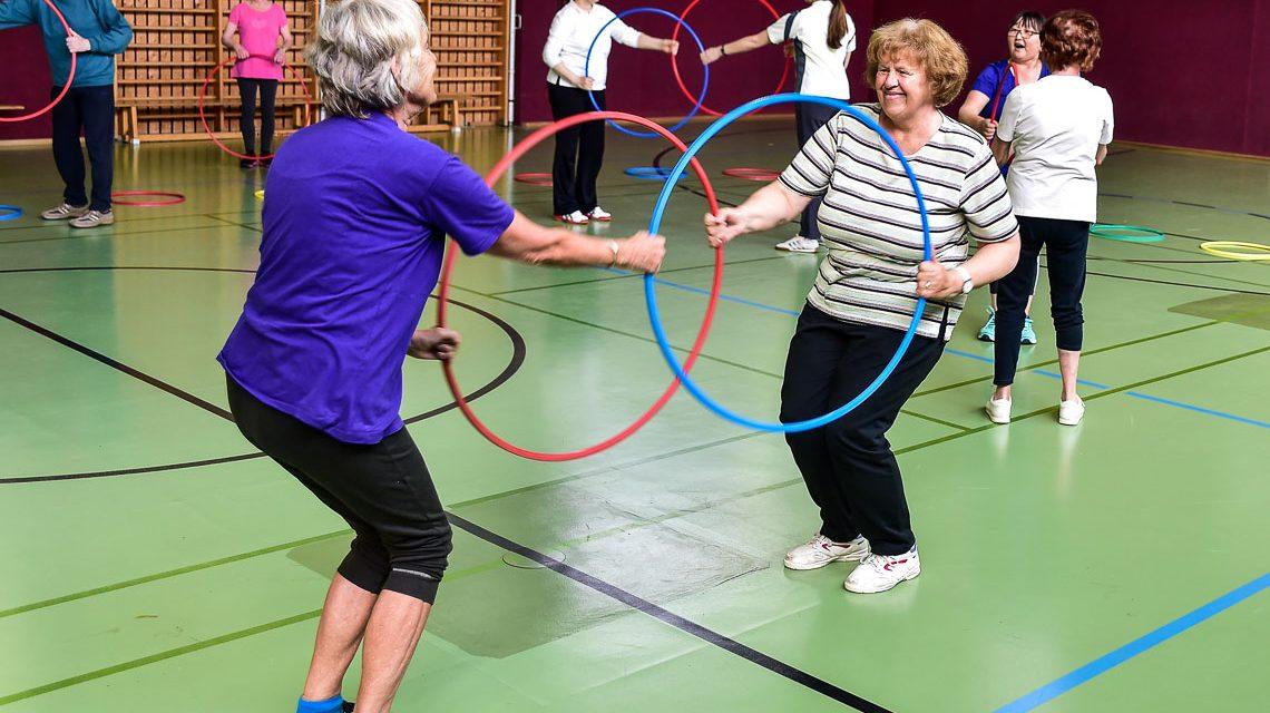Es geht weniger um Leistung, vielmehr um gemeinsamen Spaß. Sich einmal die Woche treffen um gemeinsam Sport u treiben. Bild: Volker Watschounek