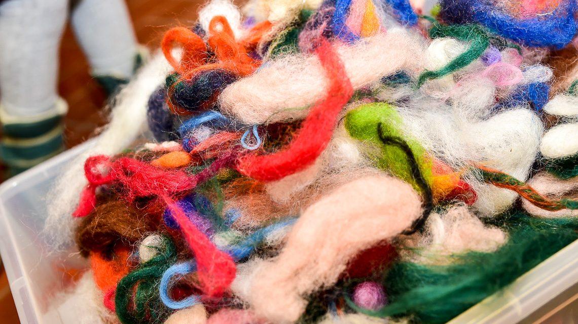 Wolle in der Kreativwerkstatt. Bild: Volker Watschounek