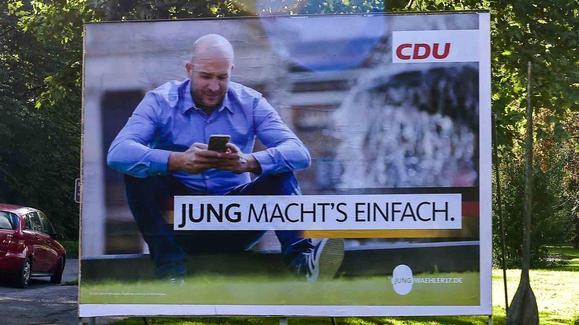 """Die Straßen sind gepflastert mit Wahlplakaten… Hier sagt Ingmar Jung: """"Ich mache es einfach."""" Bild: Volker Watschounek"""