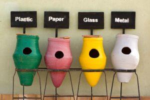Mülltrennung leicht gemacht. Fehlt nur noch der Behälter für den Biomüll. Bild: Flickr / Watt für Bilder