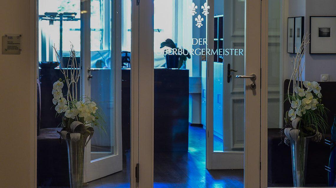 Das Büro des Oberbürgermeisters im ersten Stock, die Sprechstunde findet eine Etage tiefer statt. Bild: ©2017 Volker Watschounek