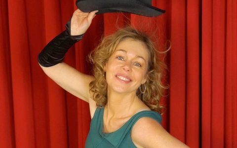 Sabine Gramenz sing Lieder der 20er Jahre ... Bild: Jan