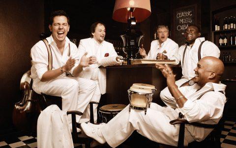 Die Klazz Brothers und Cuba Percussion begeistern mit ihren pfiffigen Arrangements. ©2018 Mirko Jörg Keller