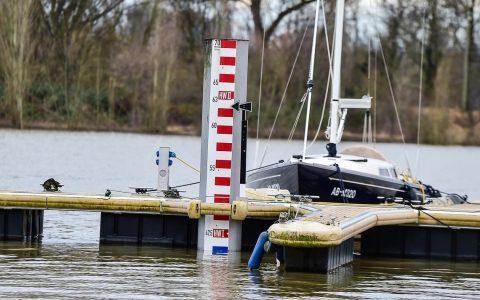 Pegel Schierstein - Die Pegel an Rhein und Main steigen wieder. Ob sie die Hochwassermarke vom letzten Hochwasser erreichen ... @2018 Volker Watschounek