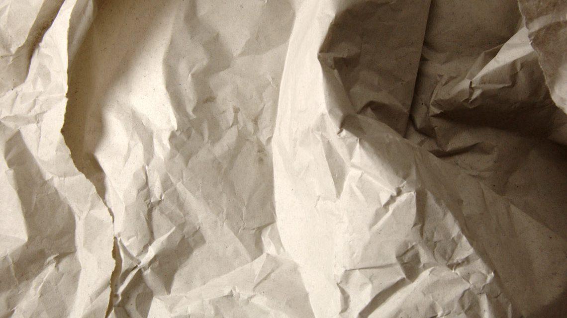 Drei Bögen Einwickelpapier ... im Ergebnis dann überzeugend. ©2018 Ralph Eichinger / Flickr / CC BY 2.0