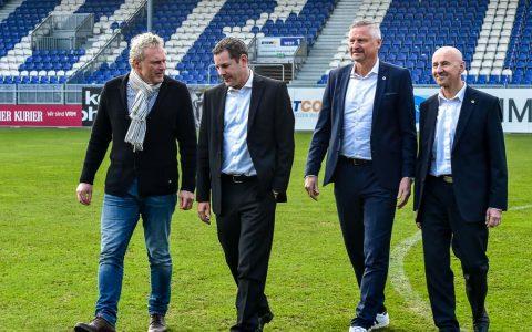 Jürgen Fladung, Sven Gerich, Stefan Blöcher und Dr. Thomas Pröckl in der Brita Arena. ©2017 Volker Watschounek