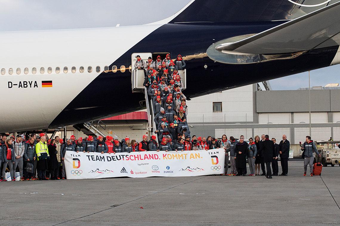 Team Deutschland am Airport Frankfurt empfangen | Wiesbaden lebt