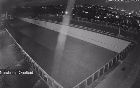 Das Nachtbild zeigt, es geht voran. Das Becken ist ziemlich weit voran gekommen. ©28-03-2018 Wbcam