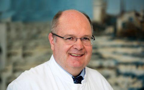 Richard Schulz, Neuer leitender Oberarzt in der Pneumologie & am Lungenzentrum Wiesbaden. ©2018 HSK