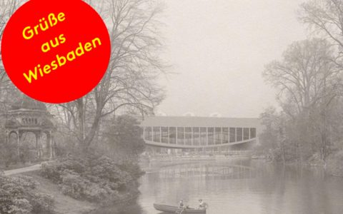"""Grüße aus Wiesbaden"" | Wiesbaden, Kurpark – Kongressgebäude, Louis Kahn ©2018 Stadtarchiv"