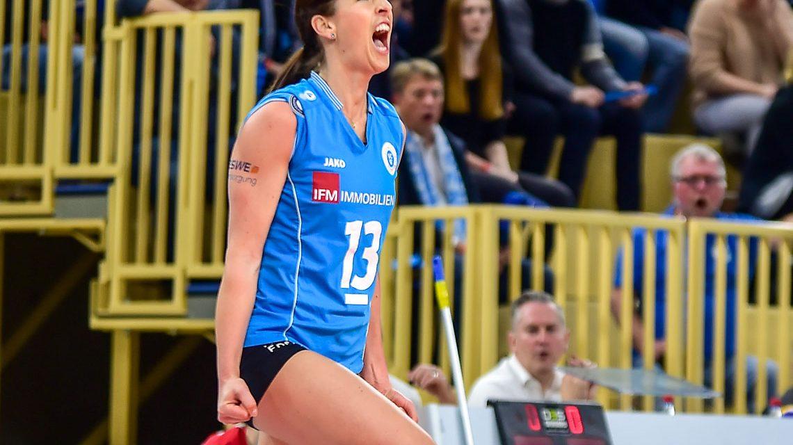 Karolina Bednářová verlängert beim VCW