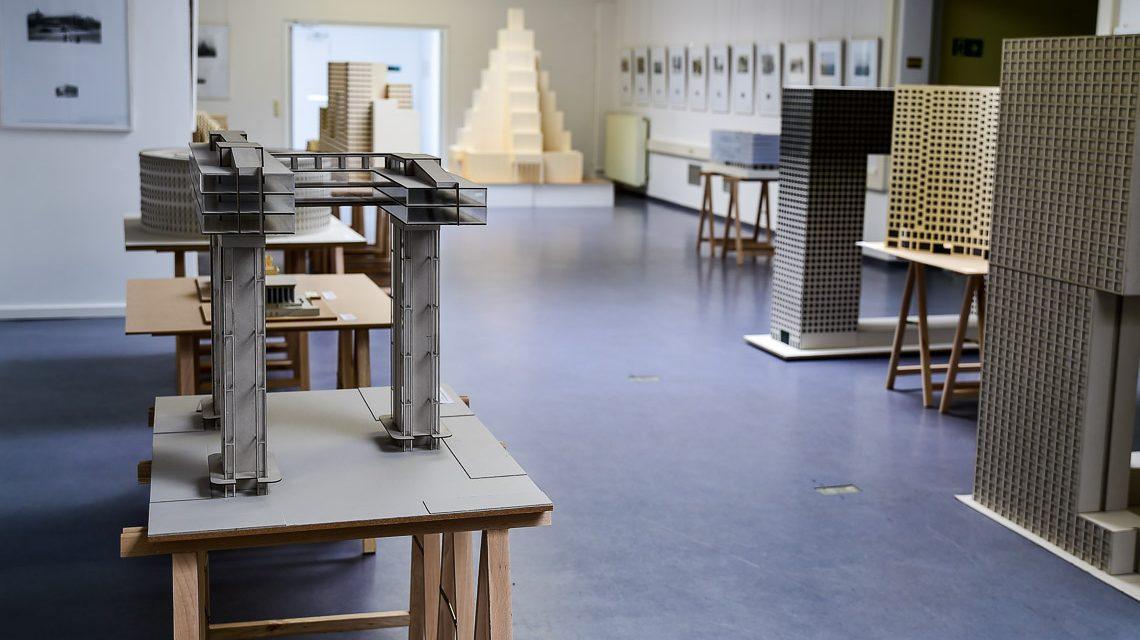 """Ausstellung """"Grüße aus Wiesbaden"""" im Stadtarchiv"""