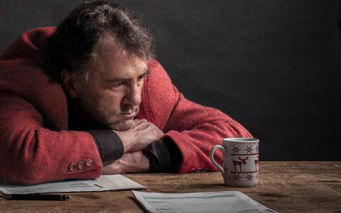 Schuld ist nur die Steuererklärung … und genau darin liegt die außergewöhnliche Stärke des Künstlers. Stefan Waghubinger ©2018 Waghubinger