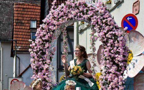 Äppelblütenfest, Äppelblütekönigin Annalena Mundorff alias Annalena I. ©2018 Volker Watschounek