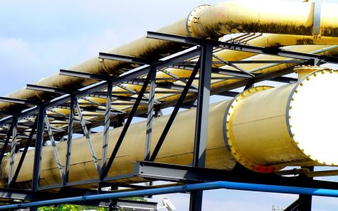 Gasleitungen im stark industrialisierten Stuttgarter Stadtteil Gaisburg, östlich der Stadtmitte am Neckar gelegen. ©2018 Dirk Schäfer / Flickr / CC BY 2.0