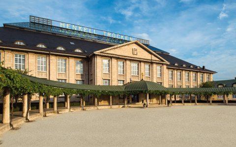 Der Hnekell Firmensitz in der Biebricher Allee, nicht nur Hauptsitz der Henkel Sektkellerei & Co., sondern auch ein excellenter Veranstaaltungsort.