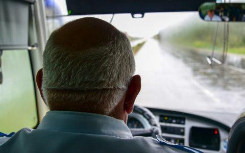 Busfahrer mit Migrationshintergrund. ©2018 Volker Watscshounek