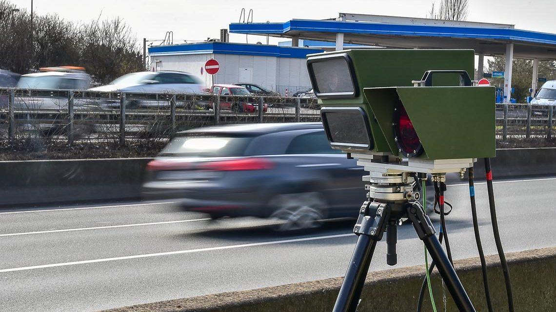 Symbolfoto: Unangekündigte Geschwindigkeitsmessung der Verkehrspoliozei auf der A66, unmittelbar vor der Ausfahrt Wiesbaden Erbenheim. ©2018 Volker Watschounek